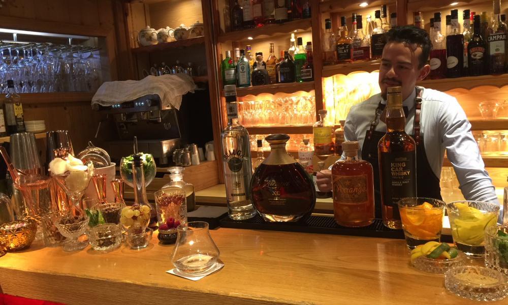 Gigi Notre nouveau barman